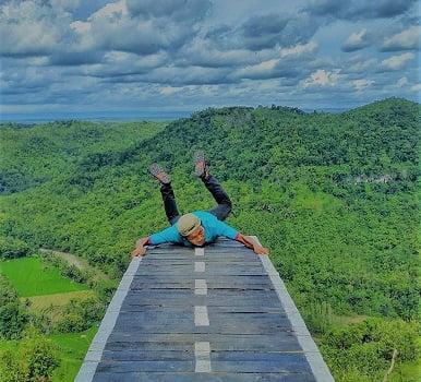 rekomendasi wisata hits di jogja tebing watu mabur