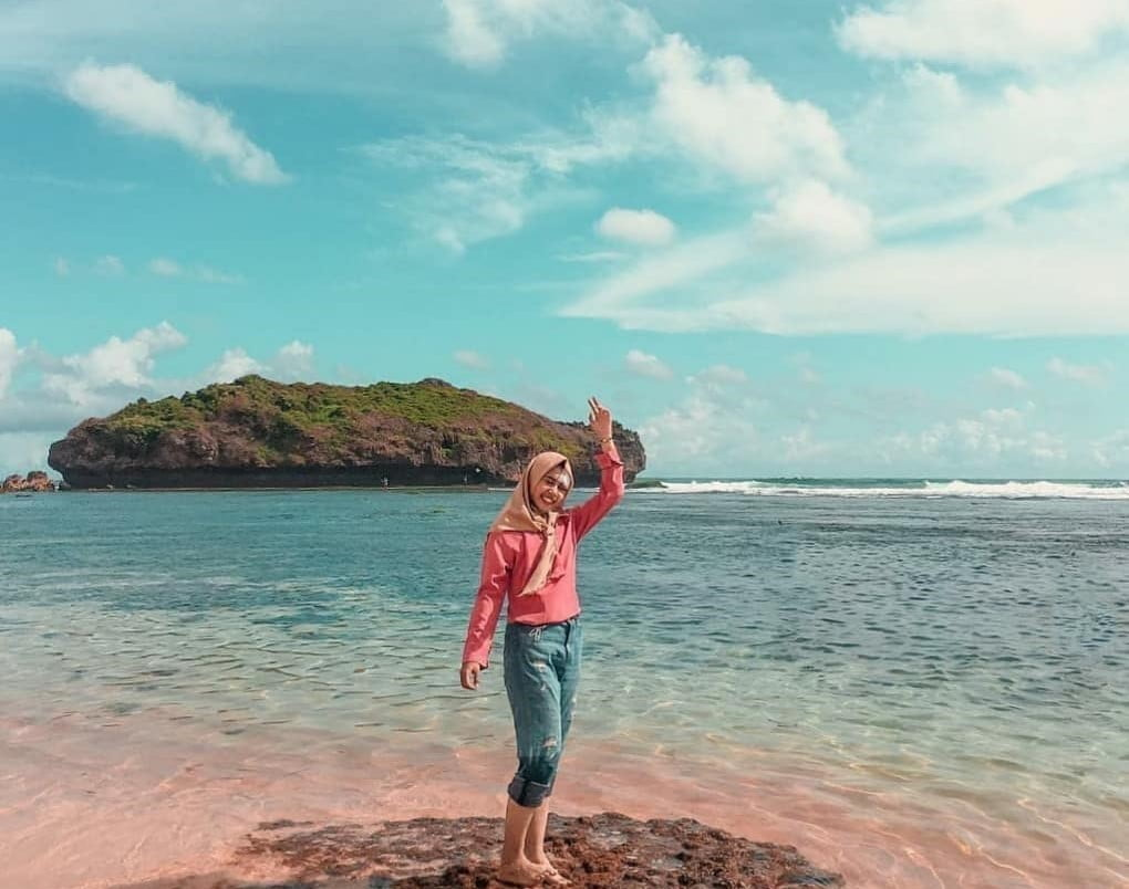 Kecantikan Pantai Sadranan Gunungkidul Wisata Pantai Terbaru di Jogja 4