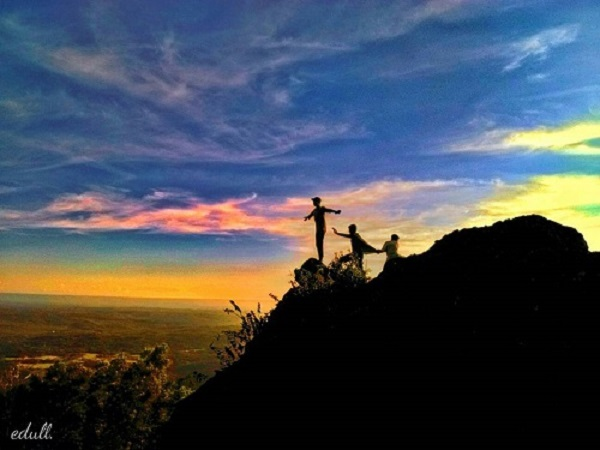 Gunung Api Purba Keruk Gunungkidul Spot Sunrise Langka di Jogja 10