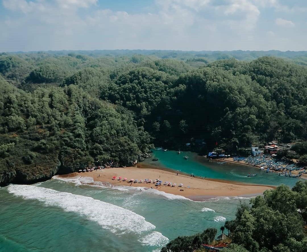 Pantai Baron Gunungkidul Paling Nikmat Kuliner Ikan Bakar dan View Cantik Kapal Nelayan 2