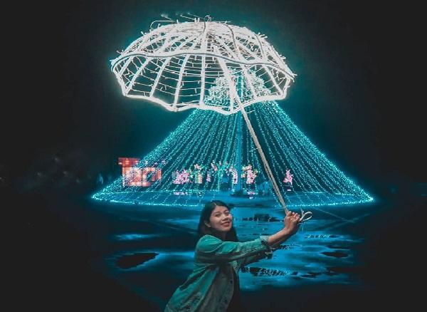 Wisata Taman Pelangi Monjali Spot Foto Romantis Malam Hari di Jogja 10