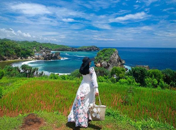 Pantai Jungwok Gunungkidul Nikmati Camping dan Treking Pantai di Yogyakarta 12