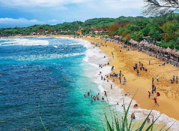 Pantai Slili Gunungkidul Spot Foto Keren Yang Sedang Hits di Jogja 11