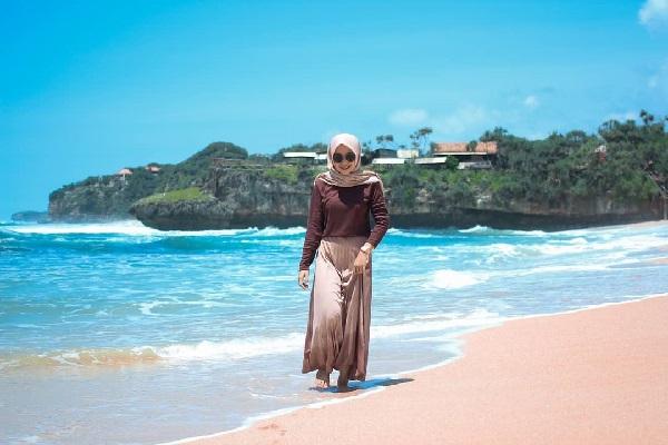 Indahnya Pantai Sepanjang Gunungkidul Sensasi Suasana Pantai Kuta Ala Jogja 2