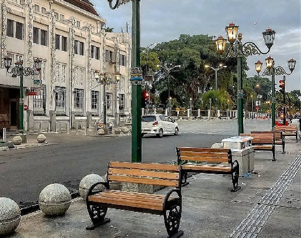 Menikmati Romantisme Senja Di Persimpangan Titik Nol Kilometer Jogja 11