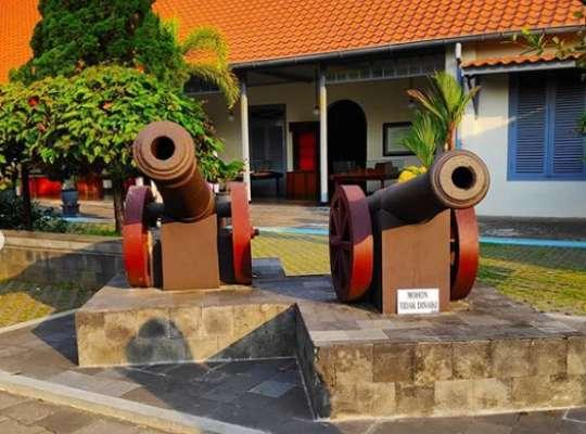 aporan kunjungan ke museum benteng vredeburg